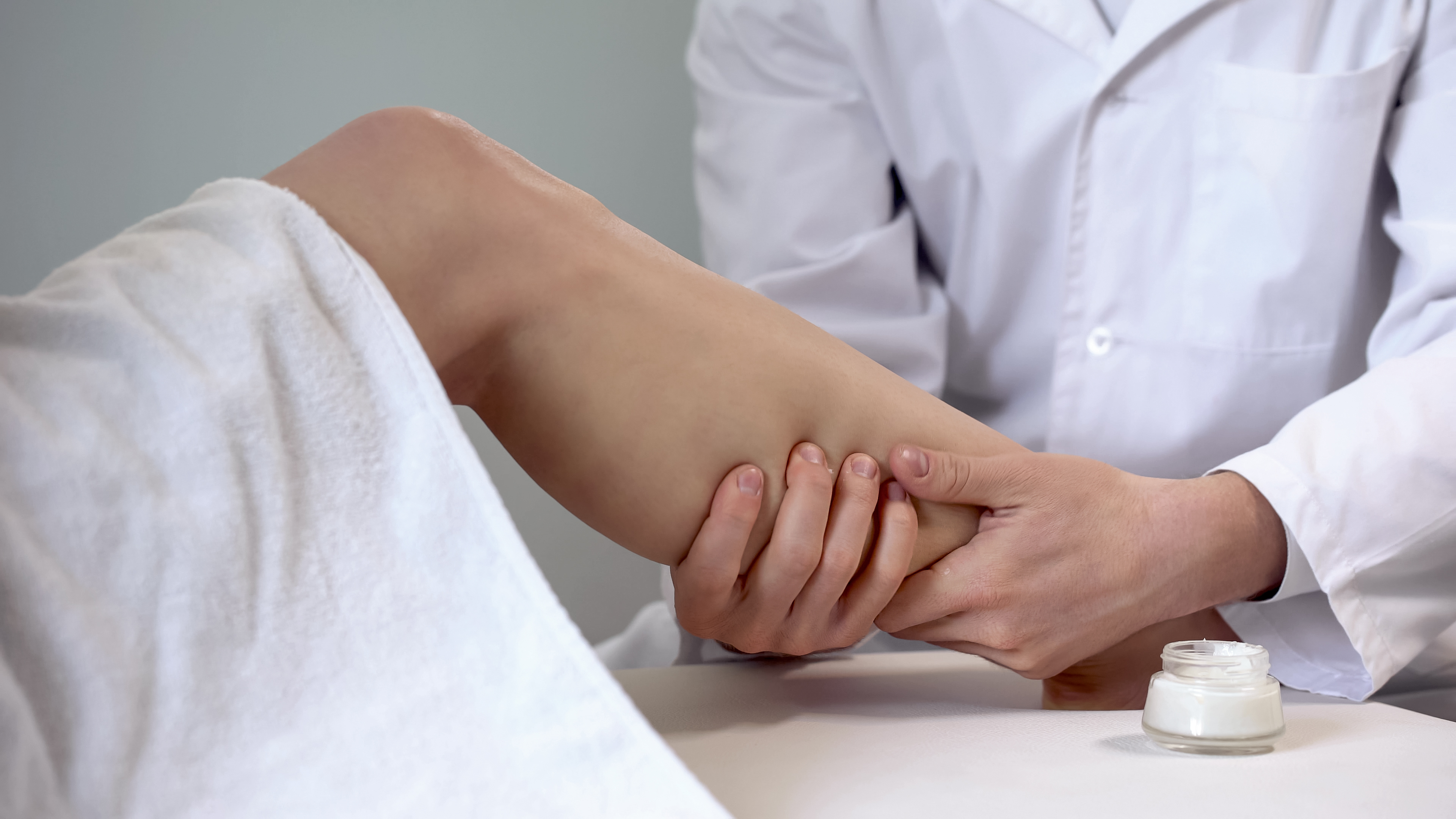 When Should You See a Vein Specialist? Answer These Questions to Know